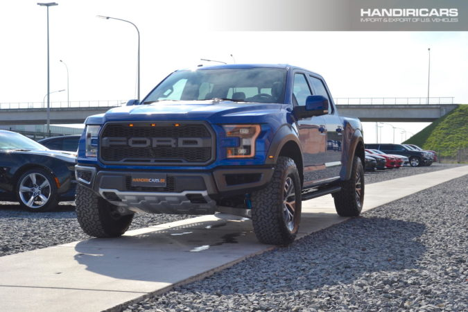 2017 Ford F-150 4WD SuperCrew Raptor in Lightning Blue Metallic