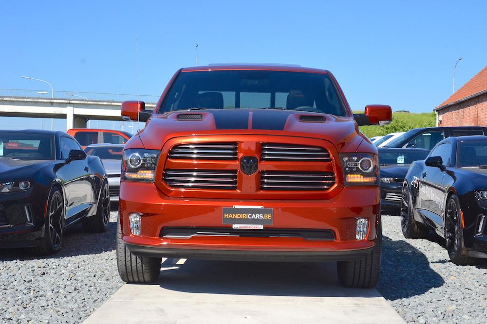 Front aanzicht van 2017 Dodge Ram Copper 4WD Crew Cab Sport
