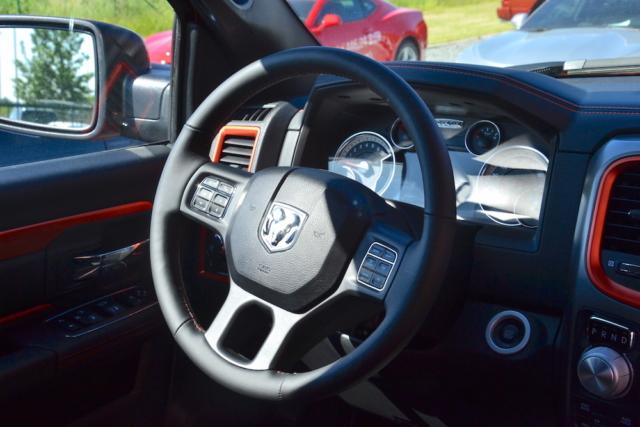 Stuur van de 2017 Dodge Ram Copper 4WD Crew Cab Sport