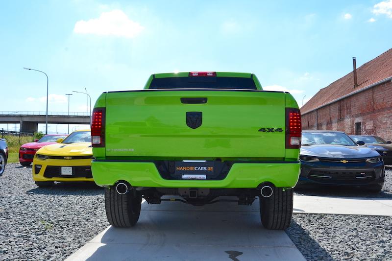 Achterzicht op de 2017 Dodge Ram Sublime Sport 4WD Crew Cab