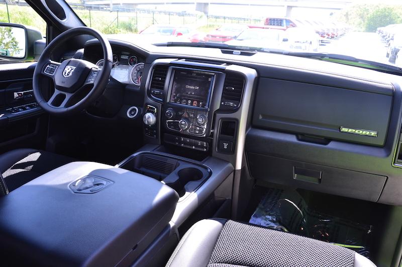 Dashboard van de 2017 Dodge Ram Sublime Sport 4WD Crew Cab