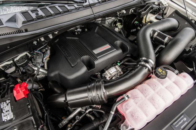 Motor van de Ford F-150 4WD Supercrew Raptor Hennessey Velociraptor