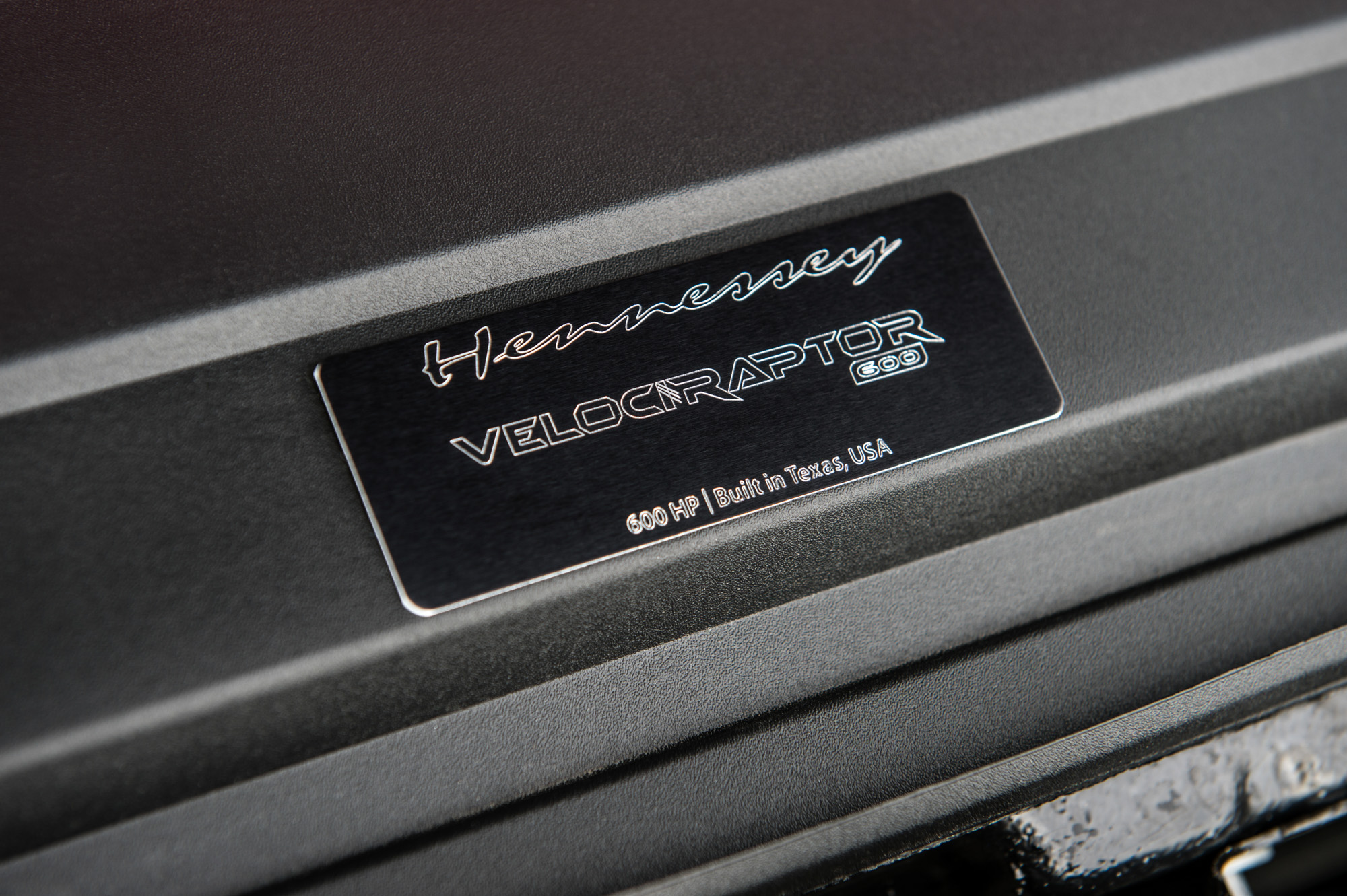 Taglabel van de Ford F-150 4WD Supercrew Raptor Hennessey Velociraptor