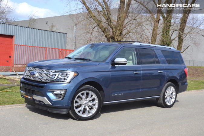 2018 Ford Expedition MAX Platinum 4x4 in Blue Metallic